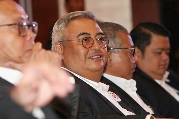 Presiden Direktur PT Asuransi Tugu Pratama Indonesia Tbk Indra Baruna didampingi direksi lainnya. - JIBI/Dedi Gunawan