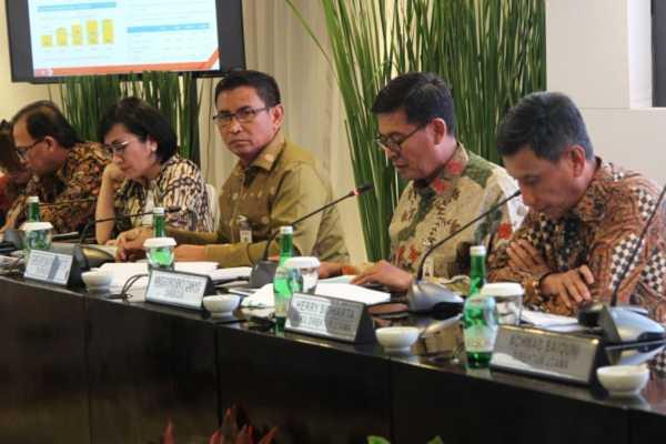 Jajaran direksi PT Bank Negara Indonesia (Persero) Tbk. mengumumkan hasil kinerja perseroan per kuartal  I/2019. BNI membukukan laba bersih senilai senilai Rp4,08 triliun per akhir kuartal I - 2019, tumbuh 11,5% secara tahunan. (Bisnis)