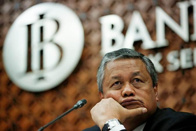 Gubernur Bank Indonesia Perry Warjiyo di sela-sela konferensi pers, di Jakarta, Kamis (25/4/2019). - Reuters/Willy Kurniawan