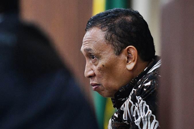 Sekjen KONI Ending Fuad Hamidy selaku terdakwa kasus korupsi dana hibah KONI menjalani sidang lanjutan di Pengadilan Tipikor, Jakarta Pusat, Kamis (21/3/2019). - ANTARA/Sigid Kurniawan