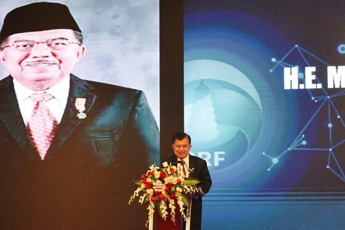 Wakil Presiden Jusuf Kalla berpidato di depan peserta Forum Bisnis Indonesia-China di Beijing, China, Jumat (25/4/2019). - ANTARA/M.Irfan Ilmie