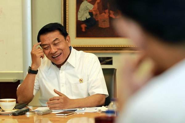 Kepala Staf Kepresidenan Moeldoko saat menerima kunjungan tim Bisnis Indonesia, di Kantor Staf Presiden Jakarta, Jumat (6/4/2018). - JIBI/Dwi Prasetya