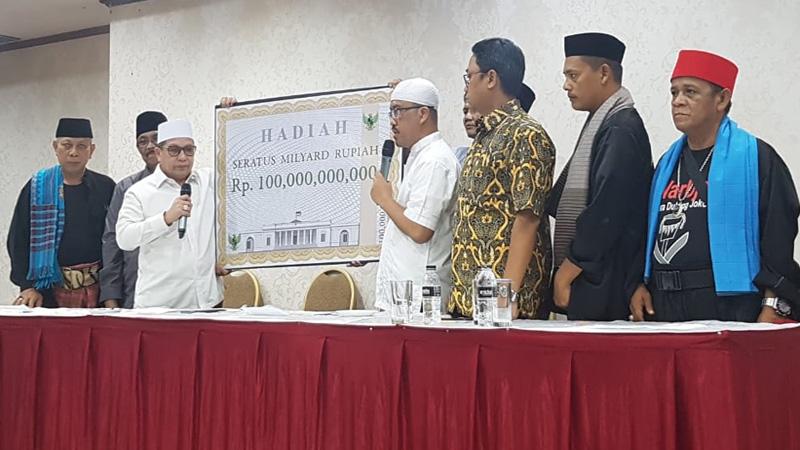Koalisi Relawan Jokowi-Ma'ruf menggelar konferensi per terkait sayembara senilai Rp100 miliar bagi siapapun yang bisa membuktikan adanya indikasi kecurangan dalam Pilpres 2019 di Depok, Jawa Barat, Minggu 28 April 2019. - Bisnis/Denis Riantiza M