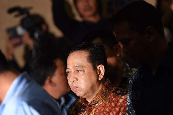 Terdakwa kasus korupsi KTP Elektronik Setya Novanto menjalani sidang putusan di Pengadilan Tipikor, Jakarta, Selasa (24/4). - Antara