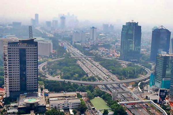 Simpang Susun Semanggi terlihat dari ketinggian, di Jakarta, Senin (7/17). - JIBI/Abdullah Azzam