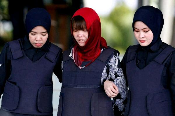 Doan Thi Huong keluar dari pengadilan dalam kasus pembunuhan Kim Jong-nam - Reuters/Lai Seng Sin