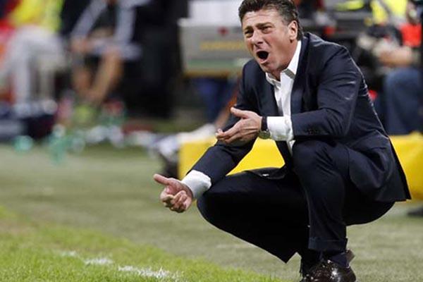 Pelatih Torino Walter Mazzarri - Reuters/Alessandro Garofalo