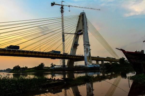 Jembatan Siak IV di Pekanbaru, Riau. Kesejahteraan warga Riau terus bergerak naik, ditandai dengan peningkatan indeks pembangunan manusia 2018. - Antara/Rony Muharrman