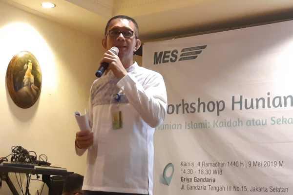 Direktur Utama Bank Bukopin Syariah Saidi Mulia Lubis menjelaskan tentang hunian Islami dalam forum Masyarakan Ekonomi Syariah, Kamis (9/5/2019). Bank Syariah Bukopin optimistis dapat menyalurkan Rp100 miliar pembiayaan rumah pada tahun ini melalui produk baru KPR iB Baitii. (Bisnis - M. Richard)