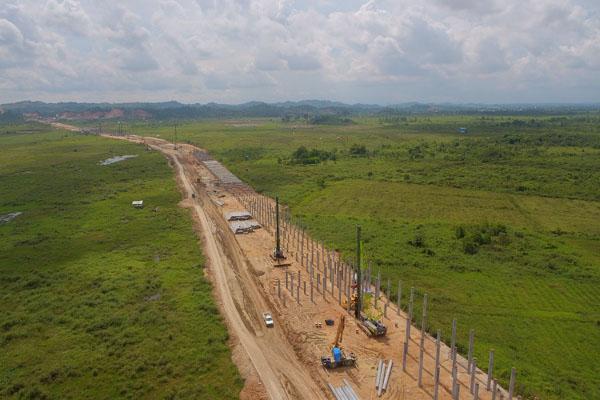Ilustrasi - Pembangunan jalan tol Balikpapan Samarinda. Foto diambil pada Rabu (4/7/2018). - Istimewa/Jasamarga Balikpapan Samarinda