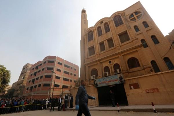Gereja Mar Mina di distrik Helwan, Kairo, Mesir. - Reuters/Amr Abdallah Dalsh