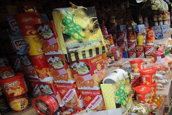 Menjelang Lebaran, banyak pedagang menjual kue kering di mobil pribadi - Antara