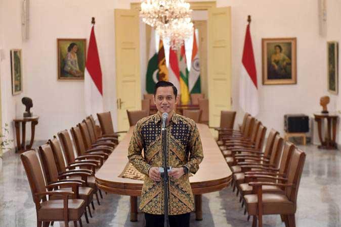 Komandan Satuan Tugas Bersama (Kogasma) Partai Demokrat Agus Harimurti Yudhoyono (AHY) memberikan keterangan usai pertemuan dengan Presiden Joko Widodo di Istana Bogor, Rabu (22/5/2019). - ANTARA/Akbar Nugroho Gumay