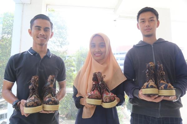 Sepatu multifungsi karya mahasiswa UMM. - Bisnis/Istimewa