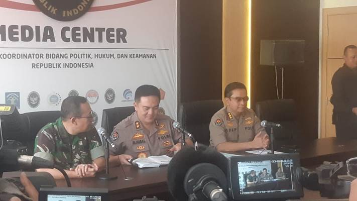 Kepala Divisi Humas Polri Irjen Muhammad Iqbal (tengah) saat menyampaikan keterangan terkini soal aksi 21 dan 22 Mei - Bisnis/Jaffry Prabu Prakoso