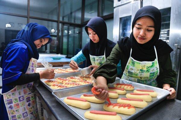 Proses pembuatan produksi roti ramah bagi penderita diabetes. - Istimewa