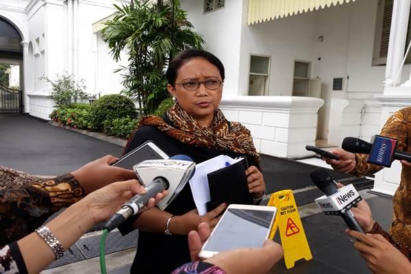 Menteri Luar Negeri Retno Marsudi memberikan keterangan seputar pertemuan antara Presiden Joko Widodo dan Chied Officer SAR Hong Kong Carrie Lam di Istana Merdeka, Rabu (25/4/18) - Bisnis / David Eka Issetiabudi