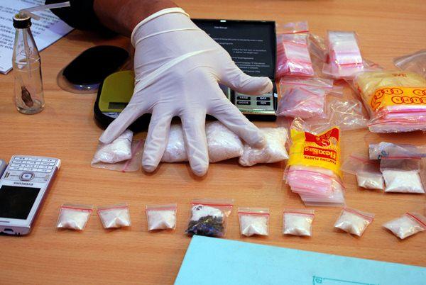 Ilustrasi-penangkapan pengedar narkotika jenis sabu - Antara/Rony Muharman