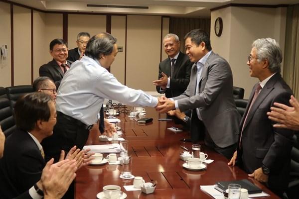 CEO Inpex Corporation Takayuki Ueda dan Menteri ESDM Ignasius Jonan menyepakati sejumlah poin strategis POD Proyek LNG Lapangan Abadi, Blok Masela, di Tokyo, Senin (27/5/2019) - Istimewa