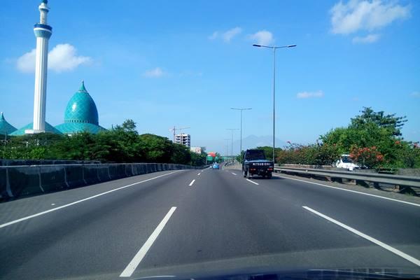 Ruas jalan tol Surabaya-Gempol. - Bisnis.com / Peni Widarti
