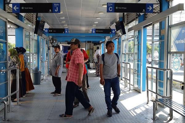Halte Transjakarta Sepanjang Thamrin dan Medan Merdeka Barat Sudah Dibuka -  Ekonomi Bisnis.com