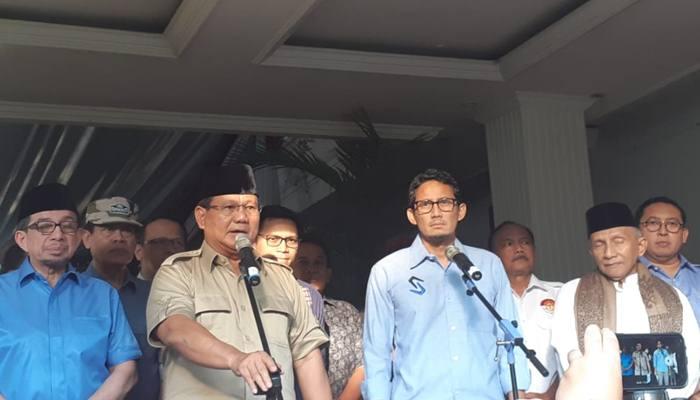Calon Presiden dan Wakil Presiden 02 Prabowo Subianto dan Sandiaga Uno saat menyampaikan pidato terkait dengan kerusuhan pada aksi 22 Mei 2019, Rabu (22/5 - 209).Bisnis/Feni Frecynthia.