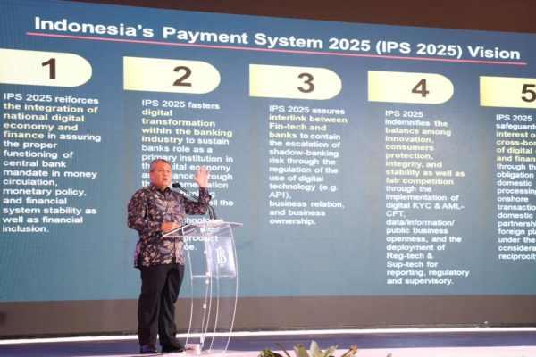 Gubernur BI Perry Warjiyo berbicara dalam seminar bertema Digital Transformation for Indonesian Economy, Senin (27/5/2019).  Bisnis - M. Richard