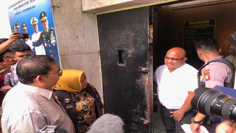 Wakil Ketua DPR Fadli Zon mendatangi Rumah Tahanan Ditreskrimum Polda Metro Jaya untuk menjenguk tersangka Li Xue Xiung alias Lieus Sungkharisma dan Eggi Sudjana, Rabu (29/5/2019). JIBI/Bisnis - Sholahuddin Al Ayubbi