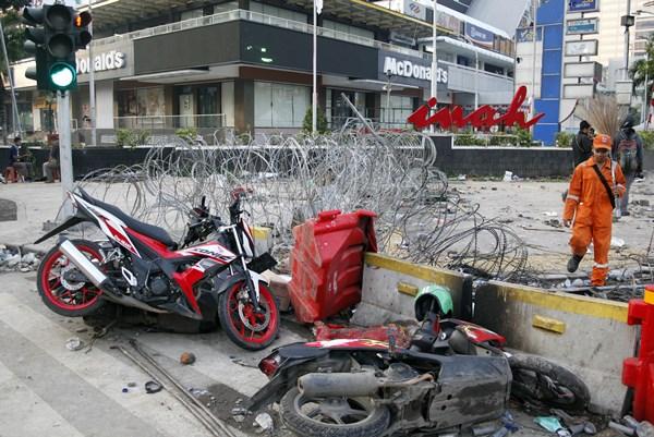 Suasana pasca kerusuhan di sekitaran wilayah MH. Thamrin, Jakarta, Kamis (23/5/2019). - ANTARA / Yulius Satria Wijaya