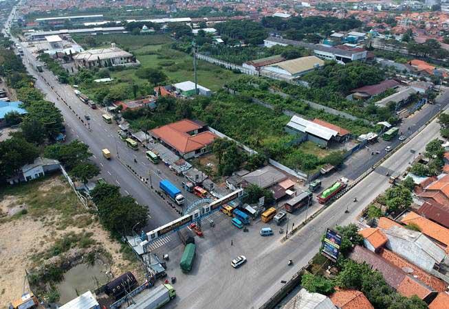 Foto udara rencana jalur pengalihan arus mudik jalur Pantura Tegal, Jawa Tengah, Minggu (26/5/2019). - ANTARA/Oky Lukmansyah