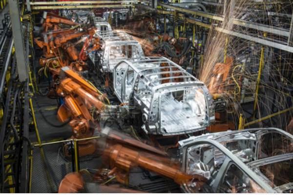 Aktivitas manufaktur otomotif di AS. - .Bloomberg