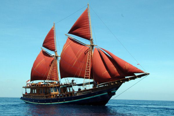 Ilustrasi - Kapal tradisional Indonesia, Phinisi - Bisnis/boatbuildingindonesia.com