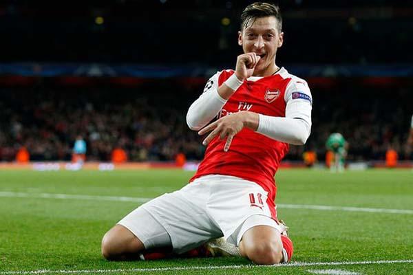 Mesut Ozil - Reuters/Andrew Couldridge