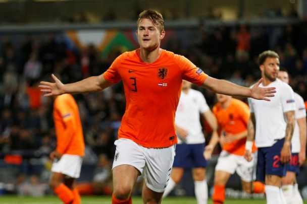 Bek Belanda, Matthijs de Ligt - Reuters