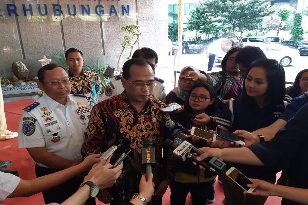 Menhub Budi Karya saat diwawancarai wartawan terkait evalusi mudik 2019 - Rinaldi Mohammad Azkq