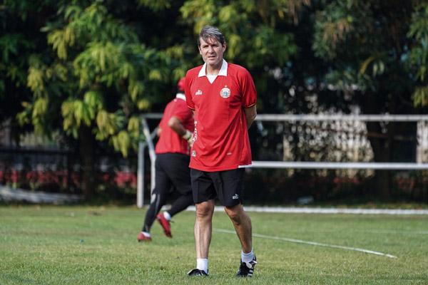 Pelatih Persija Jakarta Julio Banuelos. - Persija.id