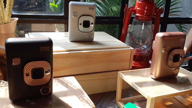 Kamera Fujifilm Instax LiPlay. - Bisnis/Deandra Syarizka