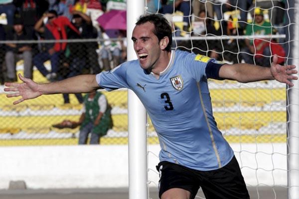 Diego Godin, kapten Timnas Uruguay. - Reuters/David Mercado
