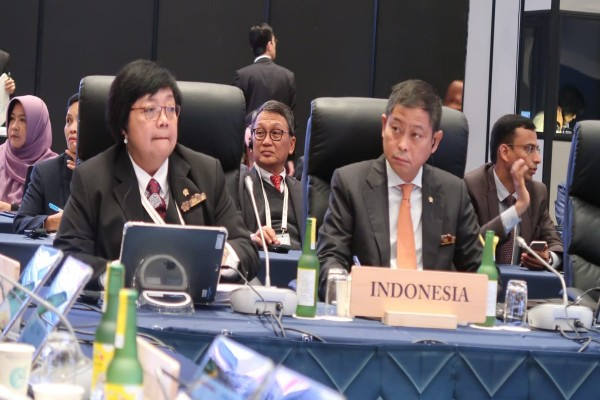 Menteri ESDM Ignasius Jonan dan Menteri LHK Siti Nurbaya Bakar di acara G20 Ministerial Meeting -