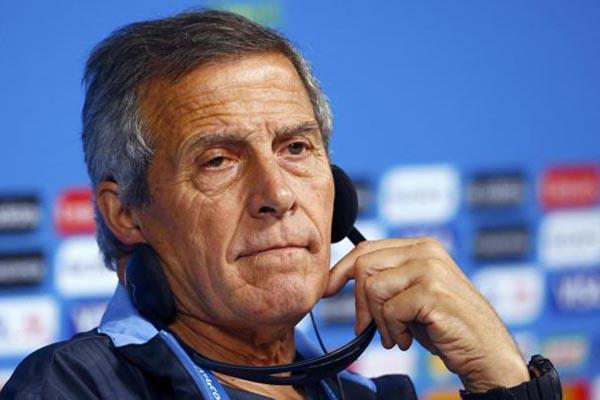 Pelatih Timnas Uruguay Oscar Tabarez - Reuters/Tony Gentile