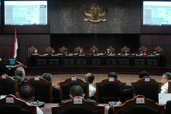 Suasana sidang perdana Perselisihan Hasil Pemilihan Umum (Pemilu) (PHPU) sengketa Pilpres 2019 di Mahkamah Konstitusi, Jakarta, Jumat (14/6). Agenda persidangan kali ini adalah pembacaan materi gugatan dari pemohon./JIBI - Bisnis/Felix Jody Kinarwan