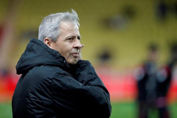 Pelatih Borussia Dortmund Lucien Favre. - Reuters/Eric Gaillard