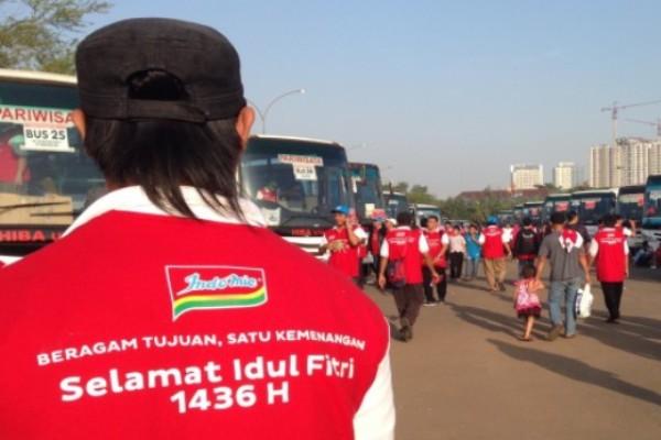 Indofood melepas pemudik dari Pengusaha Warung Makan Indomie di JIExpo Kemayoran, Jakarta, Senin (13/7/2015) - Antara News/Nanien Yuniar