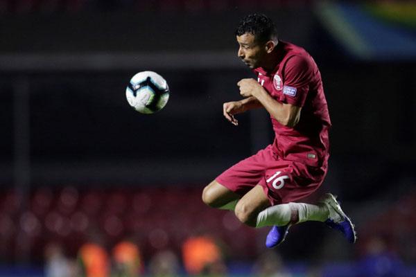 Bek Timnas Qatar Boualem Khoukhi. - Reuters/Ueslei Marcelino