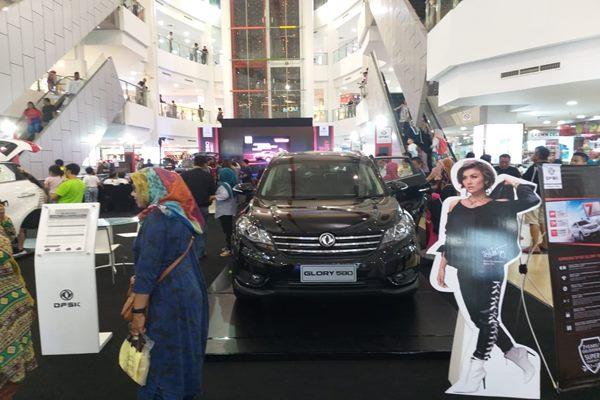 Suasana grand launching DFSK Glory 560 di Palembang - Istimewa