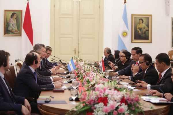 Presiden RI Joko Widodo menerima kunjungan kenegaraan Presiden Argentina Mauricio Macri di Istana Bogor hari ini, Rabu (26/6/2019). Keduanya membahas peningkatan kerjasama di bidang perdagangan dan pertanian. - Dokumentasi Kemenlu