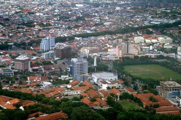 Simpang Lima Semarang, Jawa Tengah - Bisnis.com