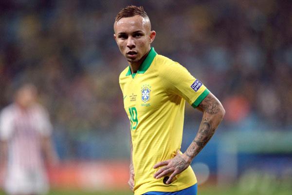 Ujung tombak Timnas Brasil Everton Sousa Soares. - Reuters/Ueslei Marcelino
