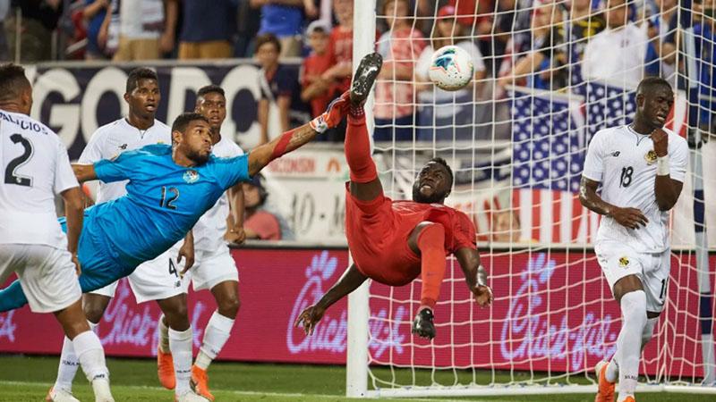 Penyerang Timnas AS Jozy Altidore mencetak gol dengan tendangan salto ke gawang Panama di Gold Cup 2019. - GoldCup.org