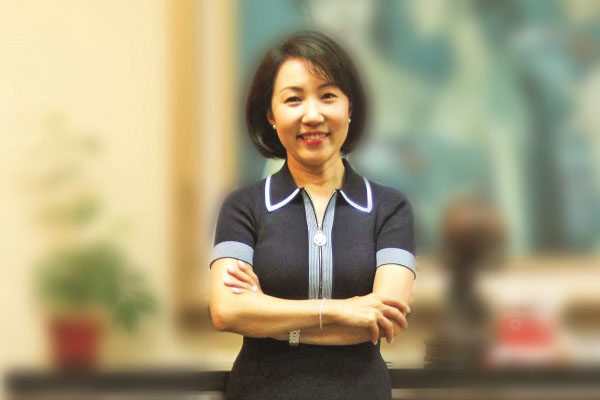 Vera Handajani, Direktur Risk Management PT Bank CIMB Niaga Tbk.